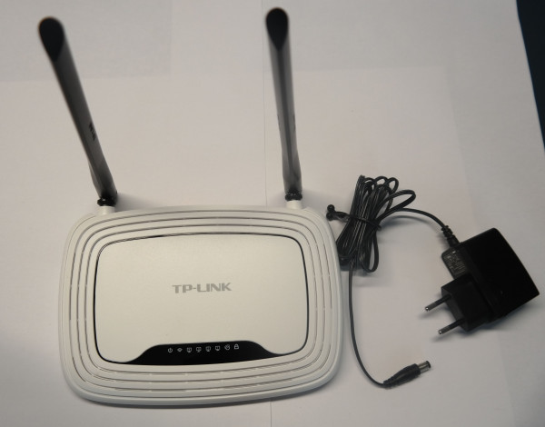 WLAN-N Router, 4-fach Switch
